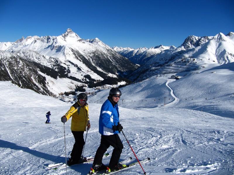 """Die Skisaison ist in vollem Gang: Die Schneehungrigen unter uns sind bereit für die Berge – selbstverständlich auch alle """"zuckersüßen"""" Wintersportler. Foto: Rainer Sturm / pixelio.de"""