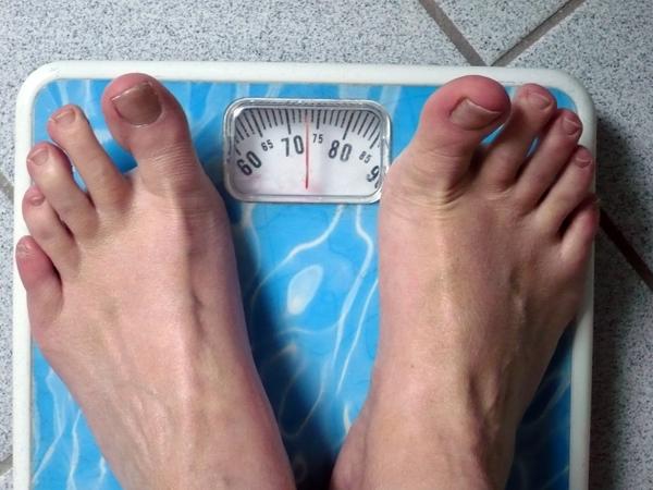Hinter vielen Diäten verbirgt sich eine gesundheitsschädigende Mogelpackung. © sigrid rossmann / pixelio.de