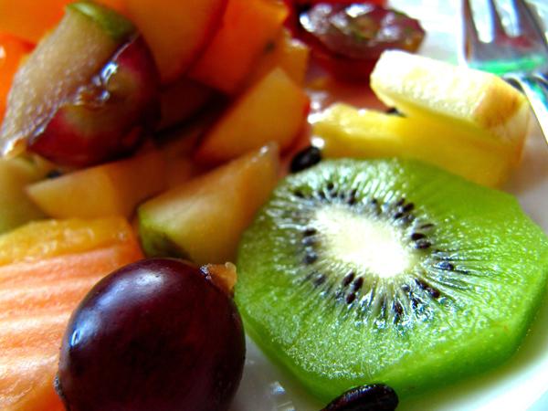 Obst, Gemüse und viel Bewegung an der frischen Luft verjagen die Frühjahrmüdigkeit.  ©Jonathan Keller / PIXELIO