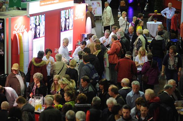 Das Informationsbedürfnis ist ungebrochen: Rund 3.000 Besucher strömten zum Patiententag der Diabetes Messe in Münster. Foto: Peter Grewer