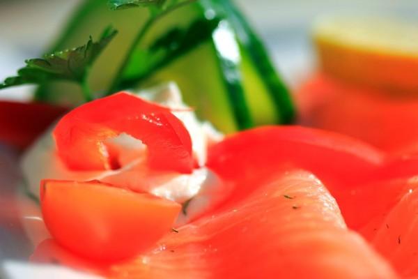 Lach ist nicht nur gesund, sondern schmeckt äußerst delikat.  ©Lichtbild Austria / PIXELIO