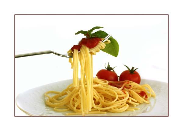 Geliebte Pasta: Hartweizen-Nudeln weisen einen relativ niedrigen Glykämischen Index auf. © birgitH / pixelio.de