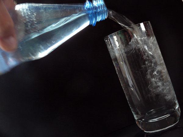 Meist äußert sich ein Typ-1-Diabetes im jungen Alter mit plötzlich einsetzenden Beschwerden, wie unbändigem Durst. © Lupo / pixelio.de