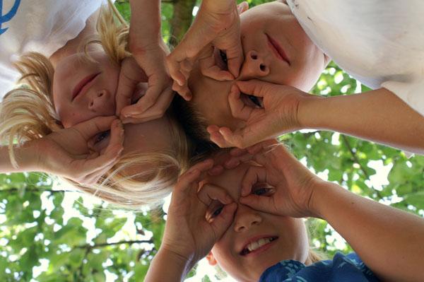 Von unschätzbarem Wert ist es, wenn sich junge Diabetiker untereinander austauschen können und dabei ordentlich Spaß haben. ©Stephanie Hofschlaeger / pixelio.de