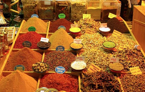 Würzige Süße bietet dieses Rezept für Rindfleisch-Curry.  ©H-J Spengemann / PIXELIO