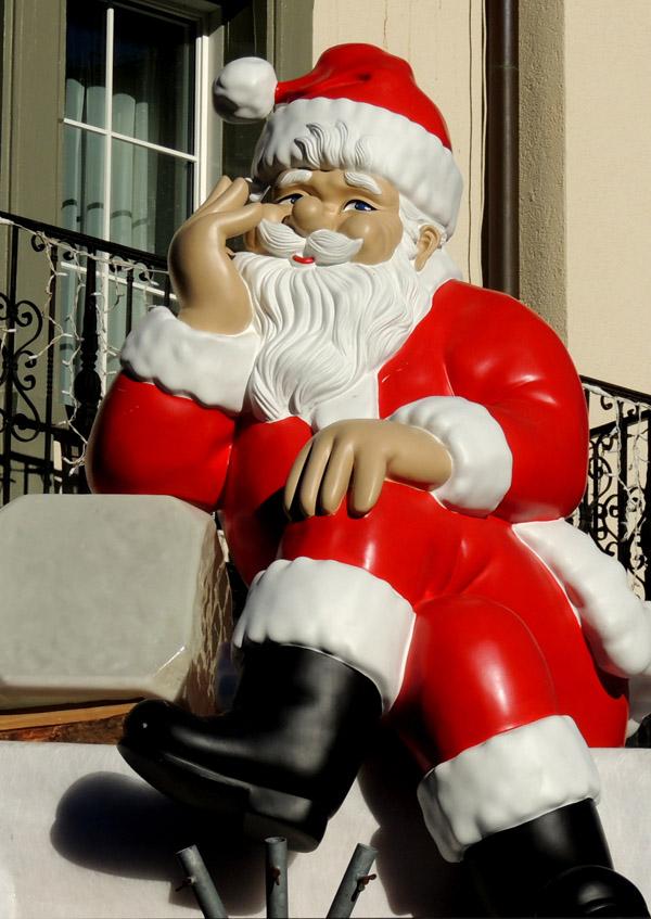 Sogar der Weihnachtsmann muss ab und zu eine kleine Verschnaufpause einlegen. ©Katharina Wieland Müller / pixelio.de
