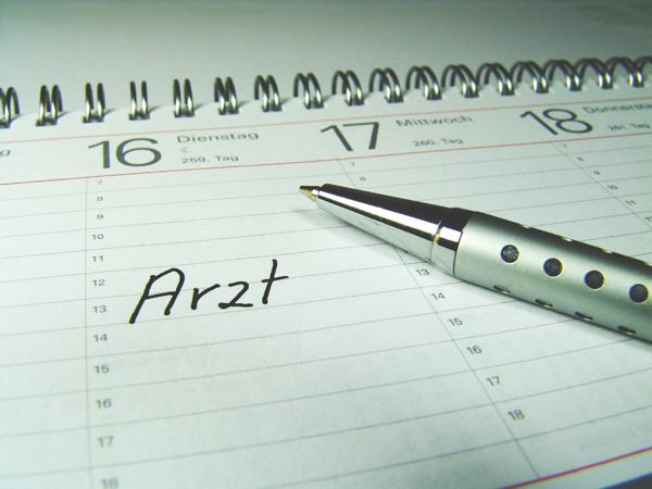 Aktive Mitarbeit ist das A und O: DMP-Teilnehmer müssen einmal im Quartal zu ihrem Arzt. ©GG-Berlin / pixelio.de