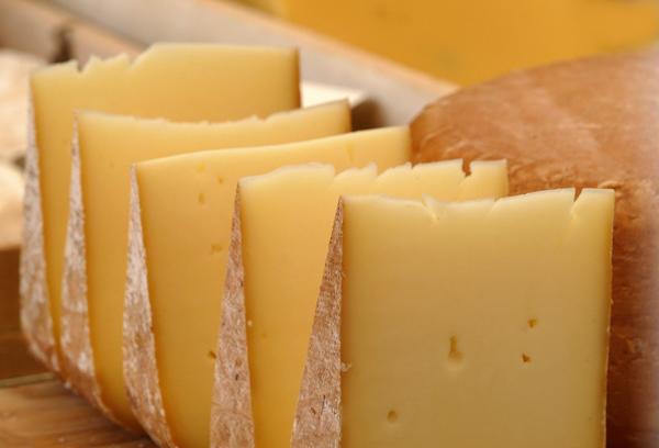 Käse ist nicht gleich Käse: Die Sortenvielfalt ist gigantisch. ©FotoHiero / pixelio.de